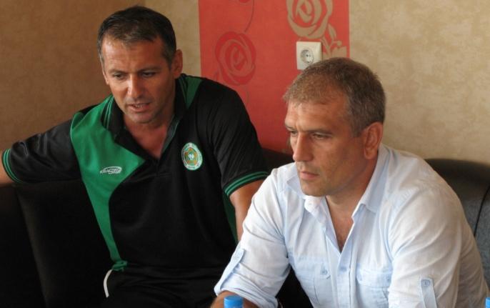 Треньорът на Нефтохимик прави промени за мача с Чавдар Етрополе