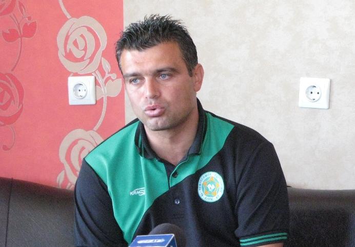 Четирима футболисти на Нефтохимик с повиквателни за лагера на младежките национали