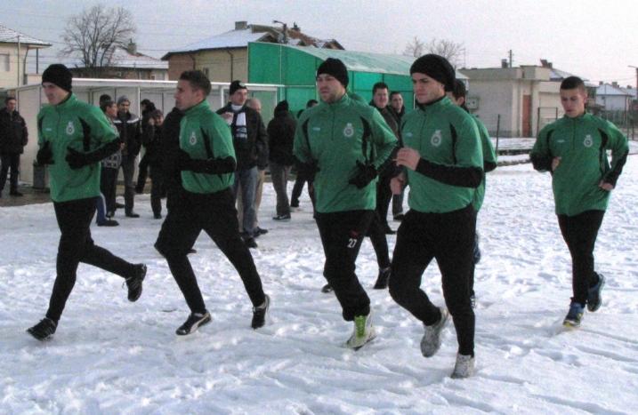Нов футболист започна тренировки с Нефтохимик