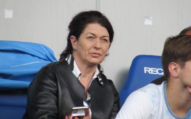 Анелия Златкова: Съществуването на Нефтохимик зависи от Община Бургас и обществеността